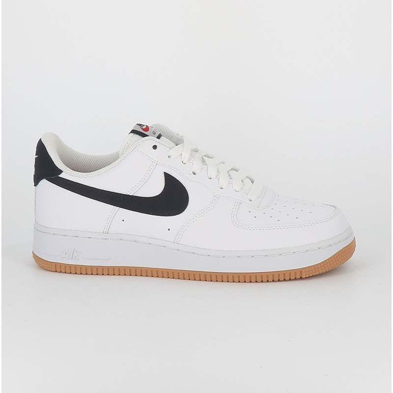Nike air force 1 07 basket homme blanc marine semelle gomme