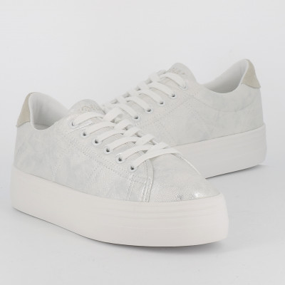 plato sneaker after