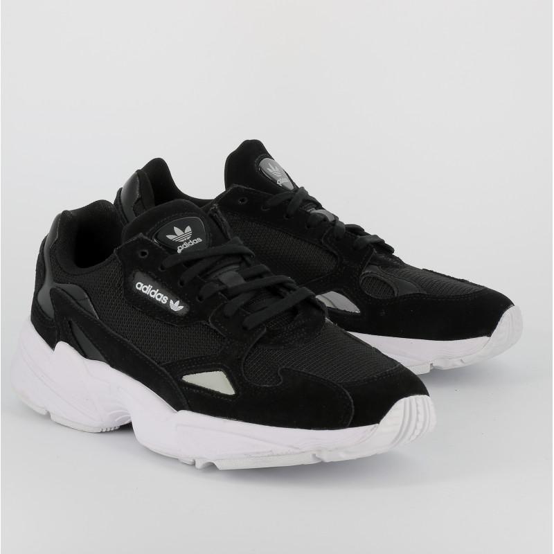 adidas falcon noir et blanche